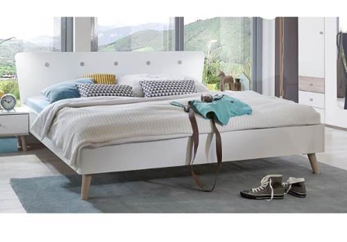 Německá manželská postel s nastavitelnou výškou