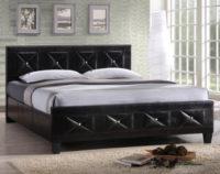 Čalouněná postel s rustikálními motivy