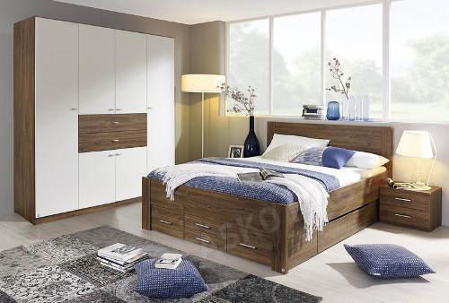 Dubová manželská postel s úložnými prostory
