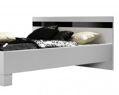 Černobílá postel z lamina