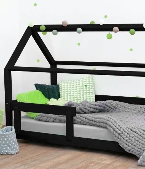 Dětská postel se stříškou