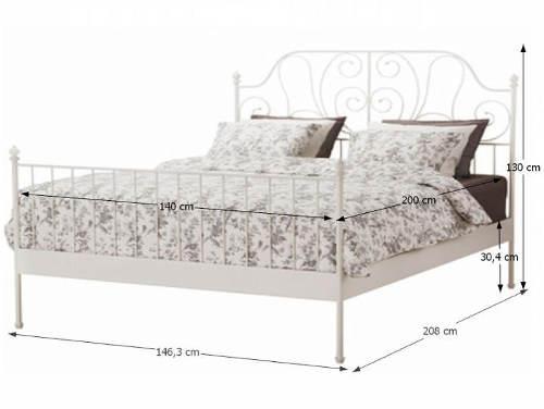 Kompletní rozměry bílé kovové postele