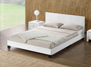 Manželská čalouněná postel DANETA s lamelovým roštem