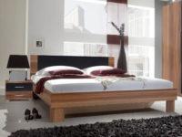 Moderní manželská postel ořech s nočními stolky