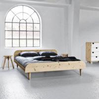 Nízká manželská postel japonského typu