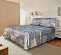 Stříbrná čalouněná manželská postel King