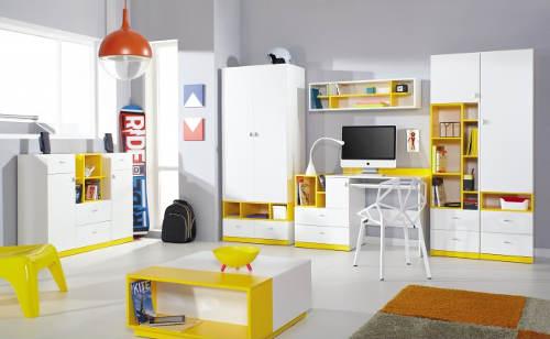 Studentský bílo-žlutý pokoj