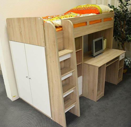 Vyvýšená dětská postel se schody