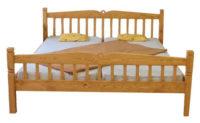 Dřevěná dvoulůžková postel vesnického stylu