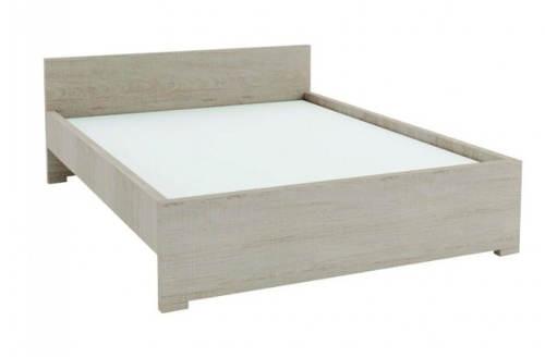 Jednoduchá světlá manželská postel