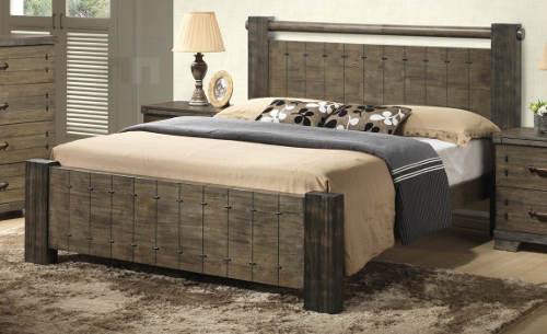 Masivní manželská postel 180x200 cm s vypalovaným dekorem