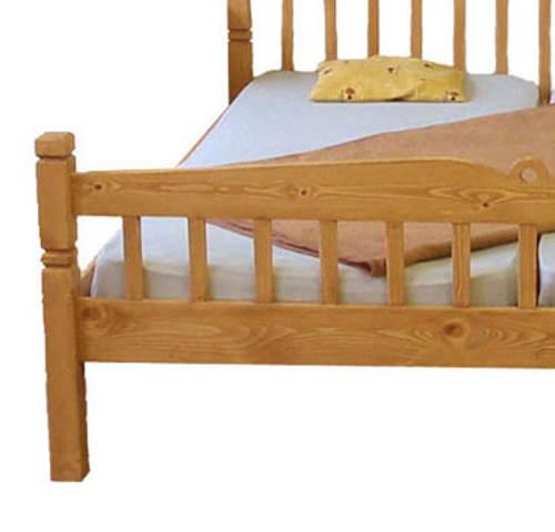 Masivní manželská rustikální postel