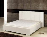 Moderní čalouněná postel s kostrou z kvalitního dřeva