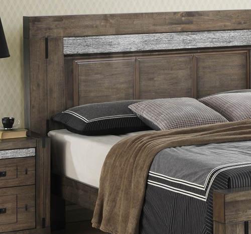 RUstikální manželská masivní postel