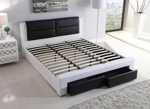 Čalouněná postel s kvalitním roštem a uložnými zásuvkami