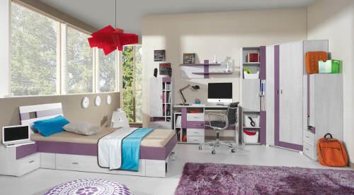 Bílo-fialový studentský pokoj