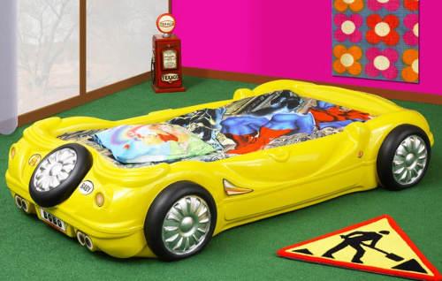 Dětská postel žluté závodní auto