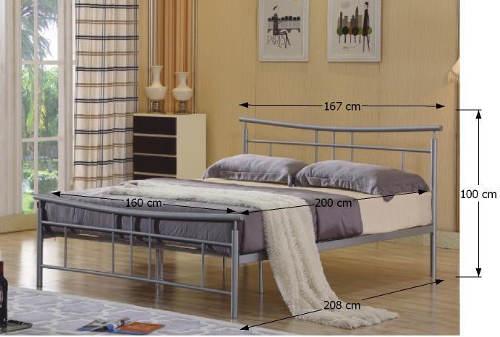 Stříbrná kovová manželská postel