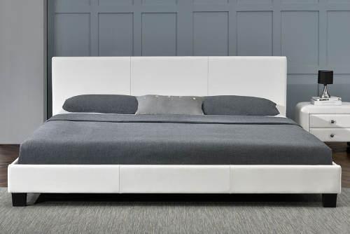 Bílá postel imitace kůže