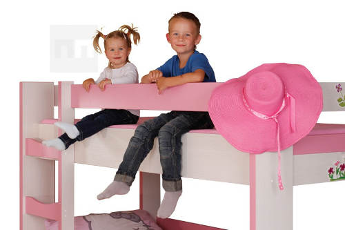 Dětská růžová patrová postel