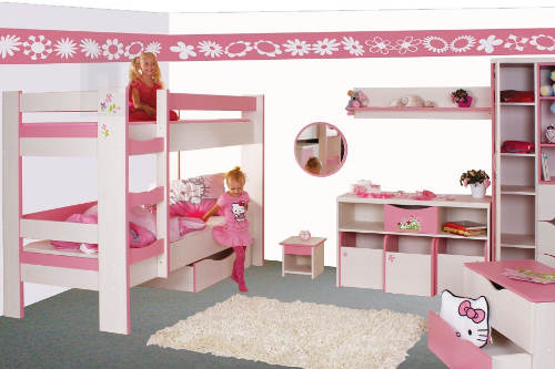 Růžový dětský pokojíček s patrovou postelí