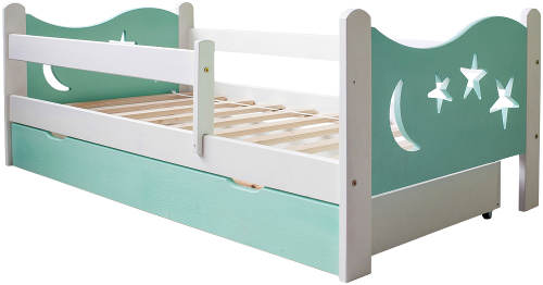 Dřevěná dětská postel se zábranami