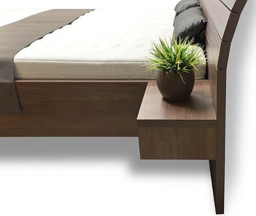 Dvoulůžková postel s nastavitelnou výškou