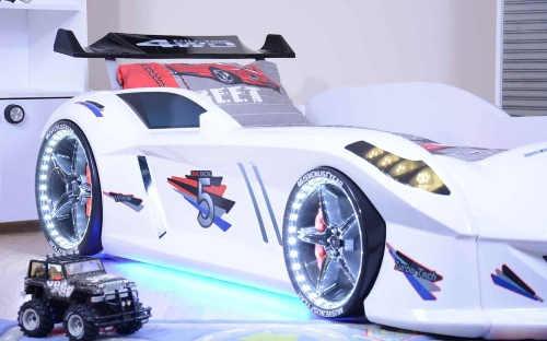 Chlapecká postel auto s LED osvětlením