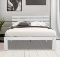 Bílá dřevěná postel z masivní borovice 140 x 200 cm