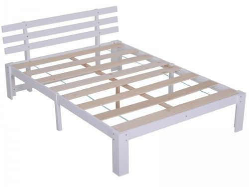 Bílá masivní borovicová postel s lamelovým roštem