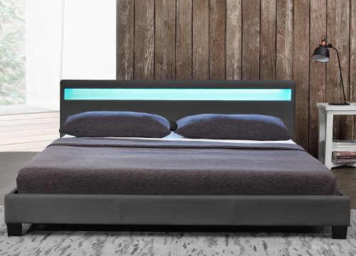 Dvoulůžková postel s LED osvětlením na dálkové ovládání