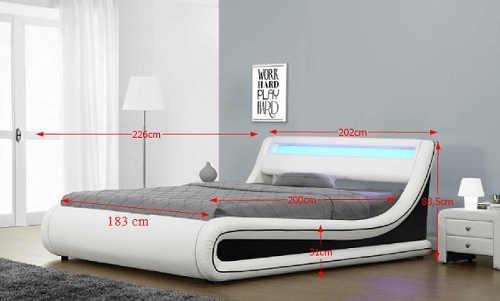 Kožená postel pro mladé manžele