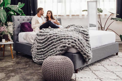 Manželská postel jako na zámku