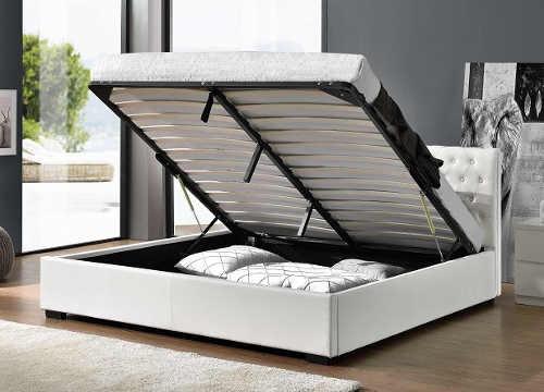 Manželská postel s velkým výklopným úložným prostorem