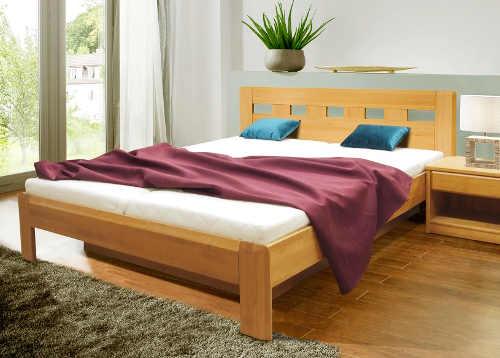 Masivní manželská postel buk