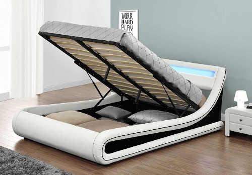 Moderní dvoulůžková postel s úložným prostorem