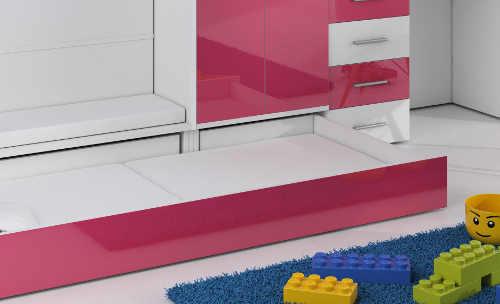 Úložné prostory pod schody postele