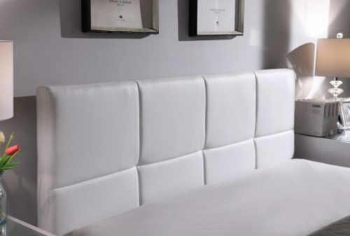 Manželská postel s vysokým čelem z ekokůže