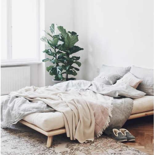 Japonská manželská borovicová postel