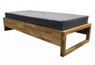 Moderní jednolůžková postel z masivního dubu