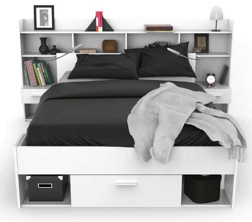Praktická studentská postel s množstvím úložných prostorů