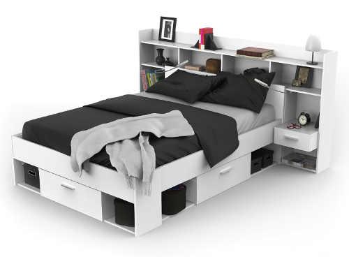 Studentská multifunkční postel s úložnými policemi za hlavou
