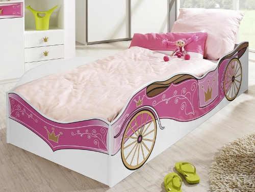Krásná postel pro malou princeznu