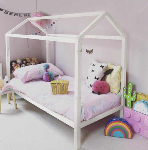 Dětská postel Montessori House