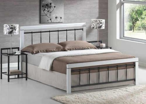 Moderní manželská postel 160x200 cm v klasickém stylu
