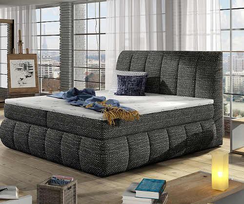 pohodlná velká manželská postel