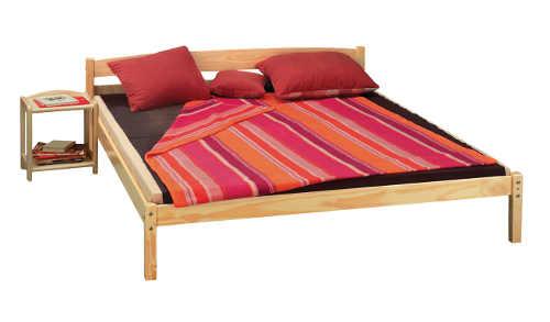 Trendy nízká japonská postel z masivu borovice
