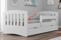 Bílá dětská postel Classic se zábranou a zakulacenými hranami