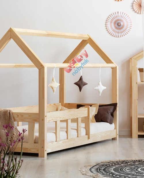 Luxusní domečková postel z masivního dřeva