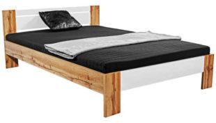 Futonová postel v moderním dekoru s matrací a roštem